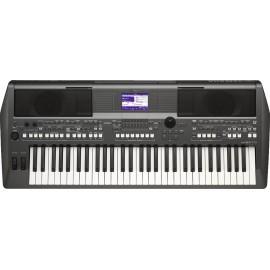 Teclado portátil Yamaha PSR-S670 de 61 teclas