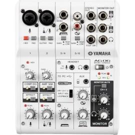 Mezcladora Yamaha de 6 canales AG06